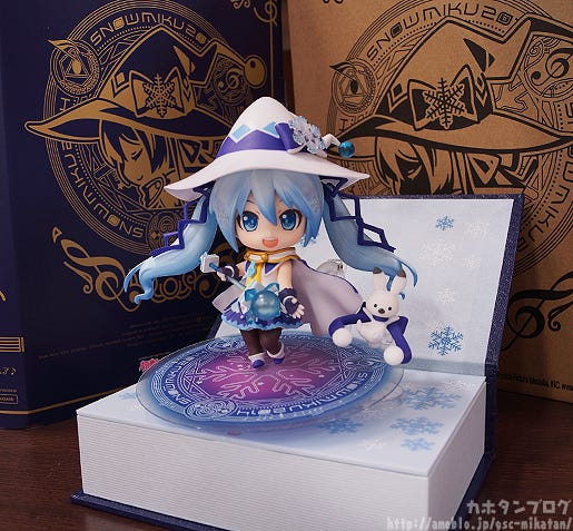 wonfes-2014-winter-nendoroid-snow-miku-2014-magical-snow-ver